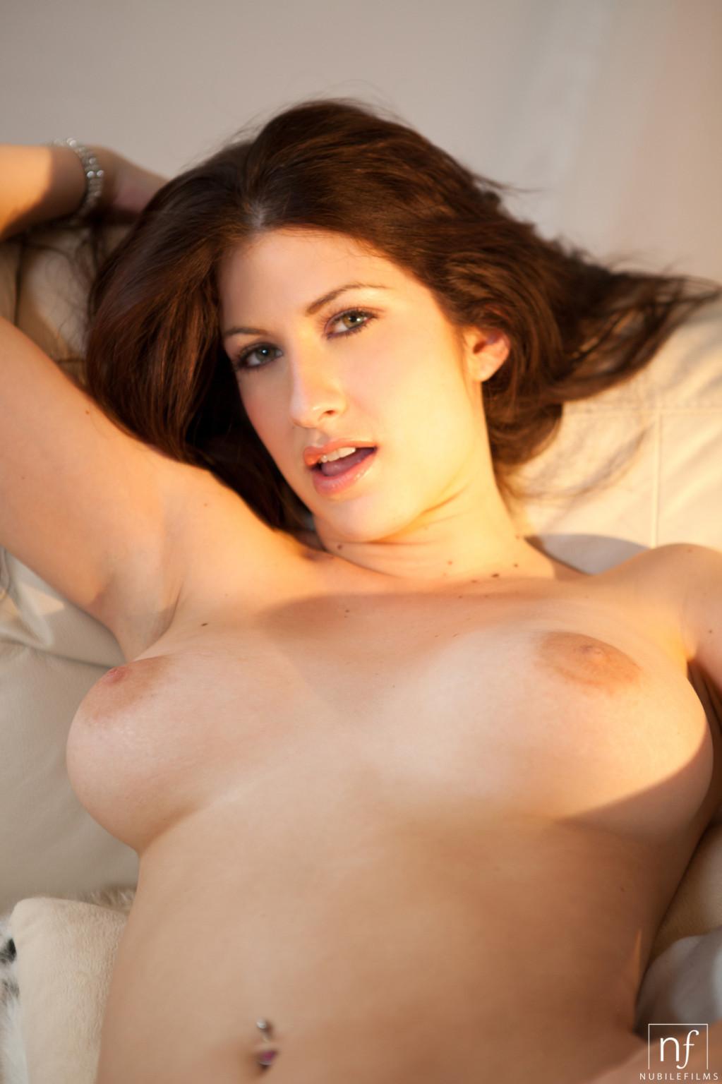 Karina White Hd