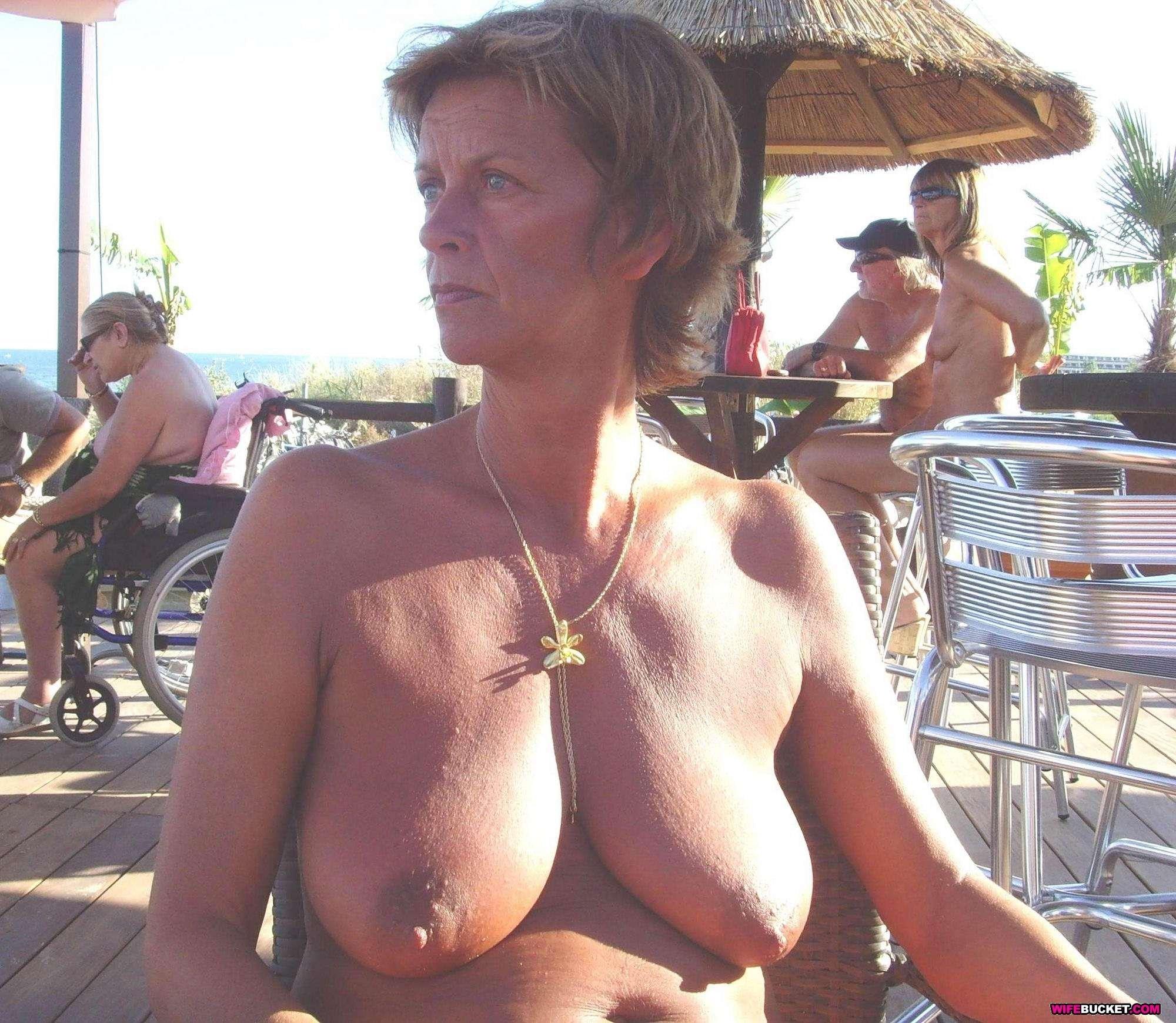 Busty Older Women Nude Pics