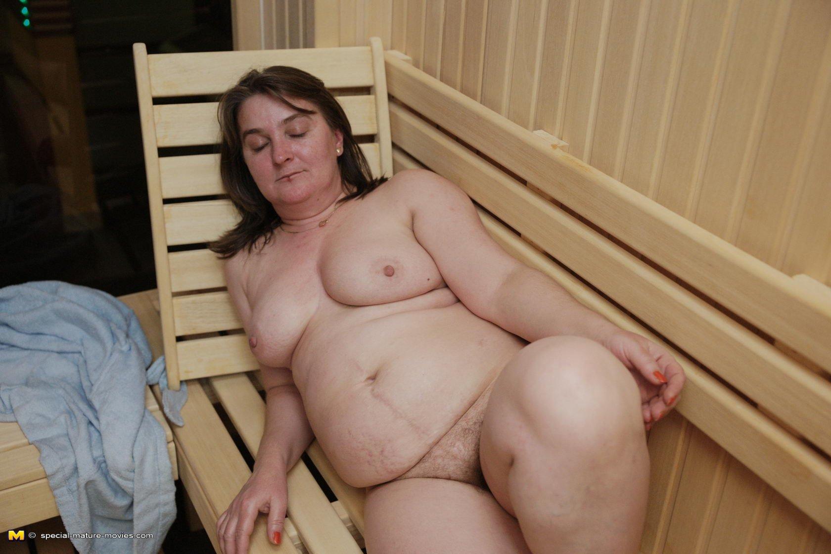 Видео Обнаженных Толстых Жен В Сауне
