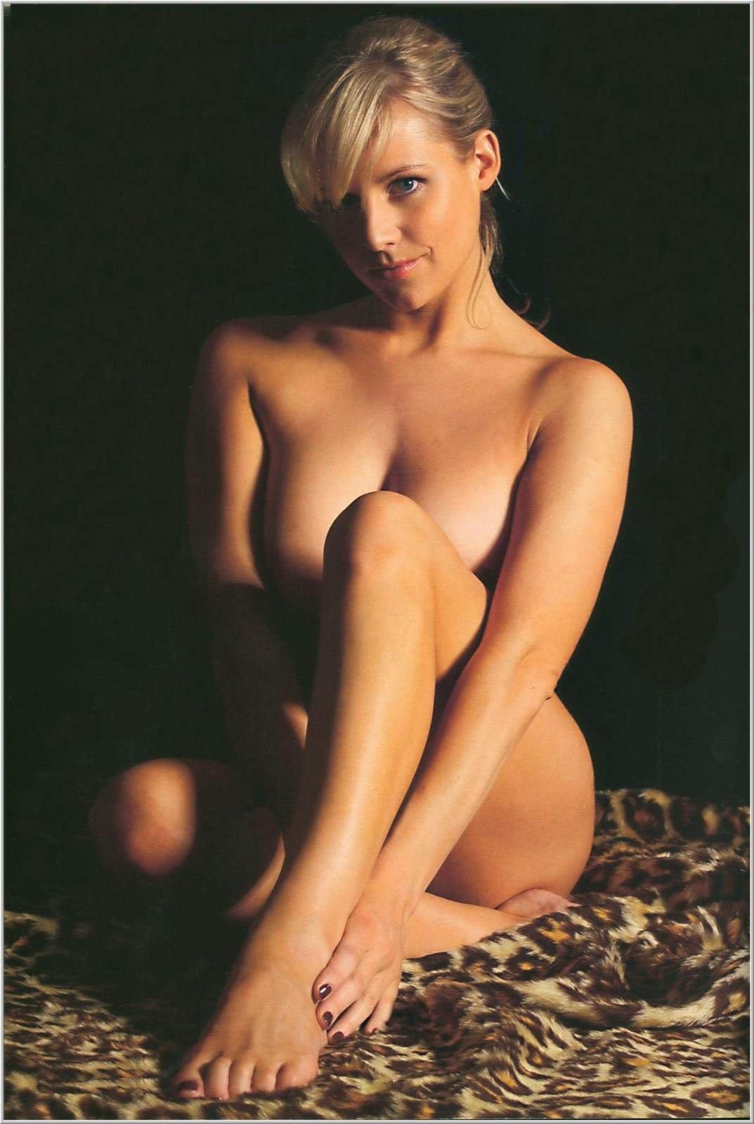 Abi titmuss hot naked tits