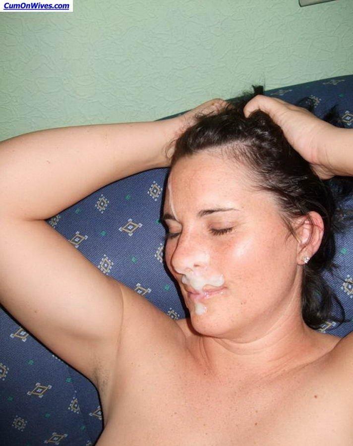 Семяизвержения на лица и в ротик молоденьким девушкам