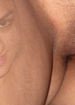 Индийское порно - это кусочек экзотики, все ценители межрасового секса должны оценить фотографии