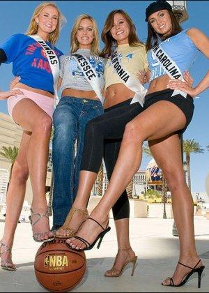 Раскрепощенные девки, демонстрирующие прелести везде и всюду, присутствуют в спорте