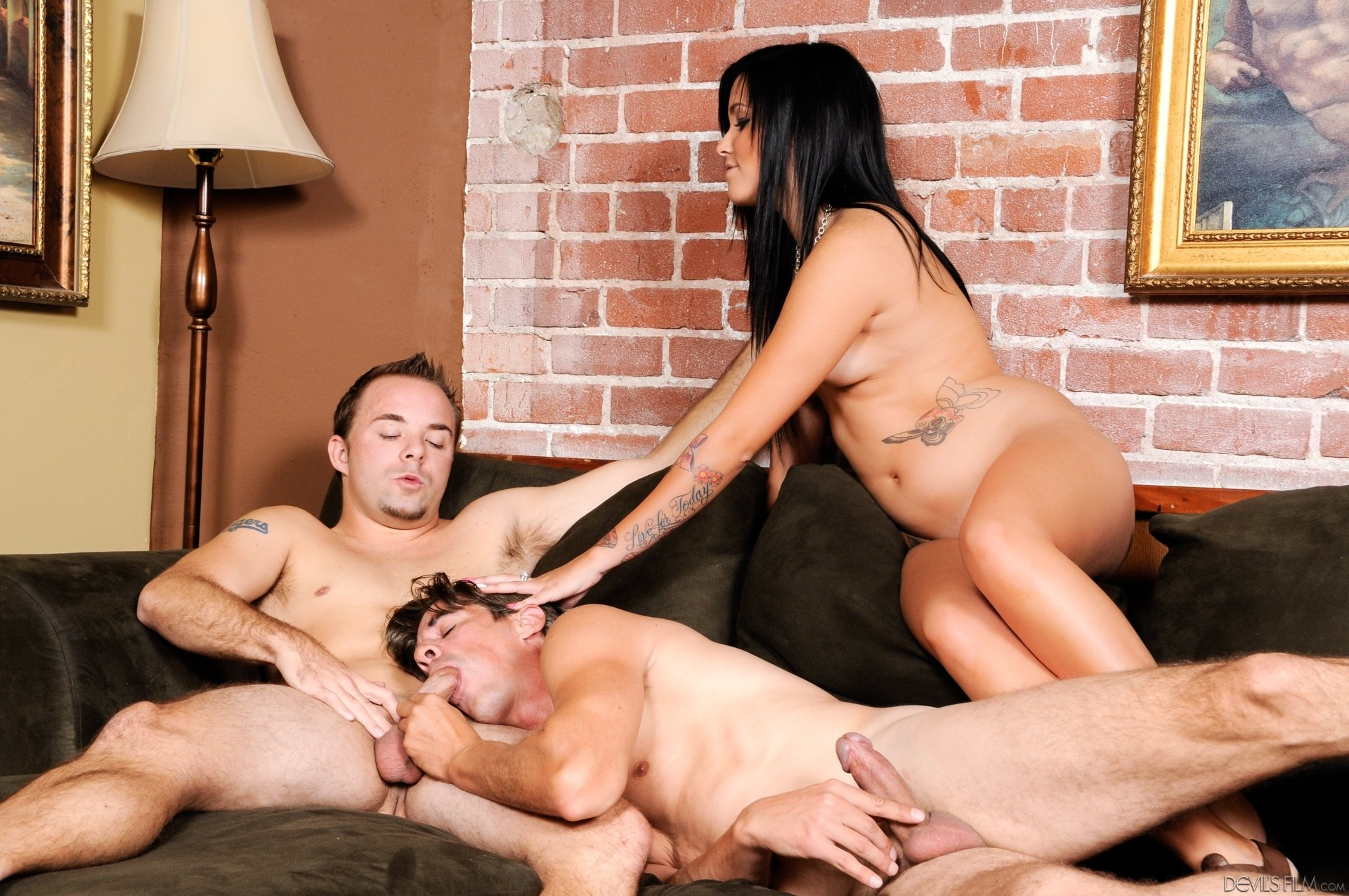 Blonde wife threesome porn pics