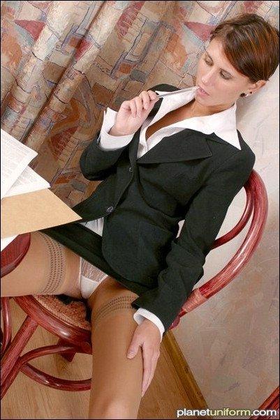 Секретарша пытается возбудить своего пожилого босса