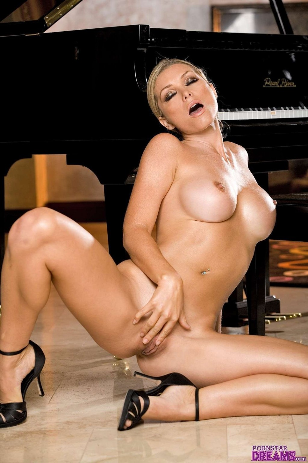 Heather Vandeven - Галерея 2200858