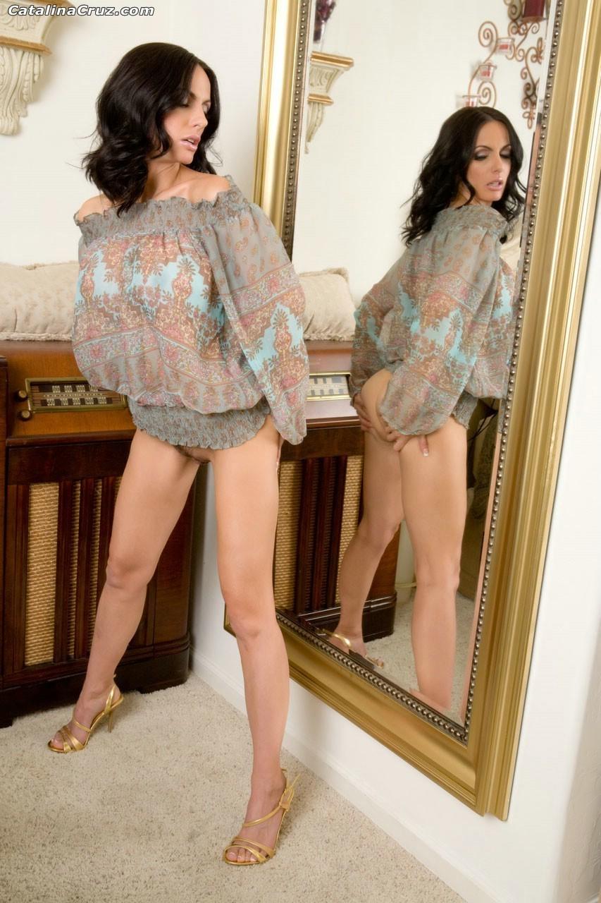 Привлекательная чертовка Catalina Cruz