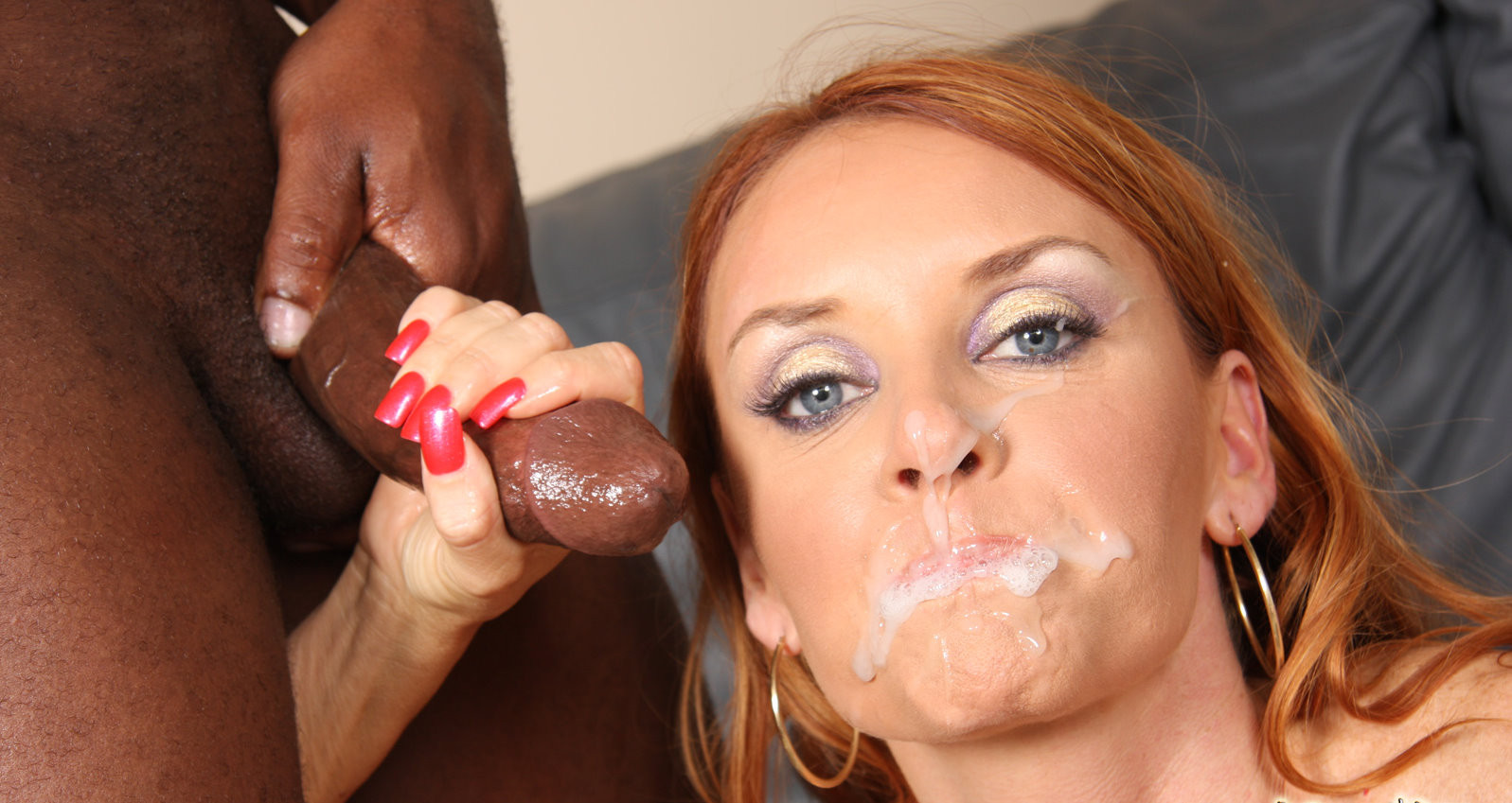 Skanky milf janet mason gets her mouth and her pussy drilled in interracial gangbang
