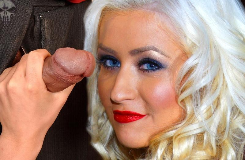 Christina aguilera reprises her legendary sex and the city samantha impression