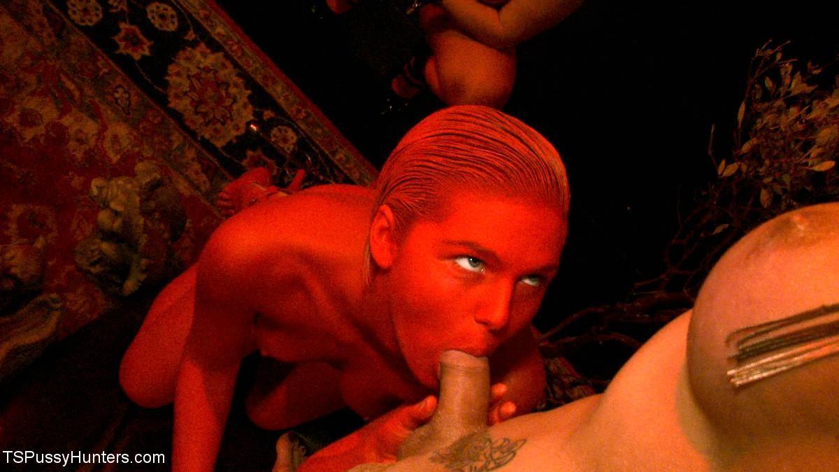 Chloe Camilla, Danni Daniels - Галерея 3320129
