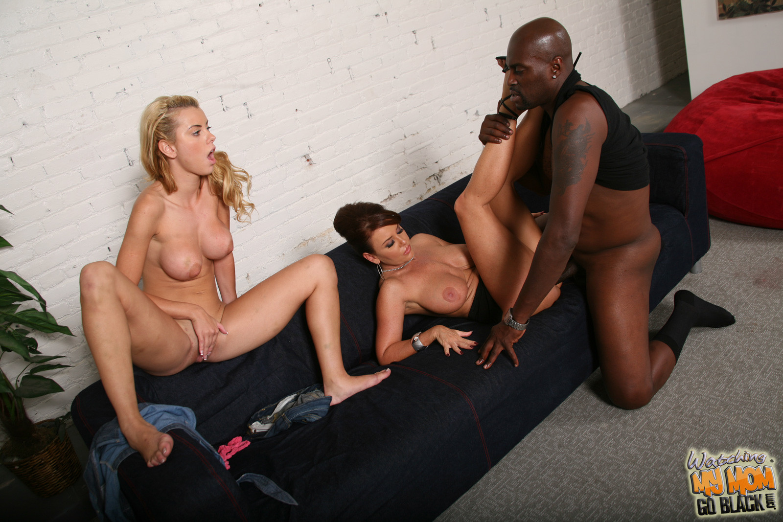 Privatesociety heidi goes black free porn galery