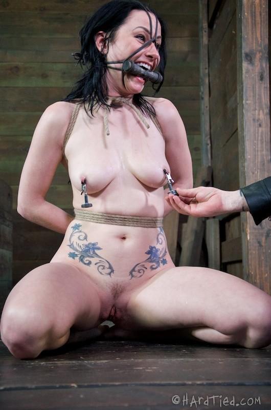 Извращенка Veruca James любит когда с ней не церемонятся