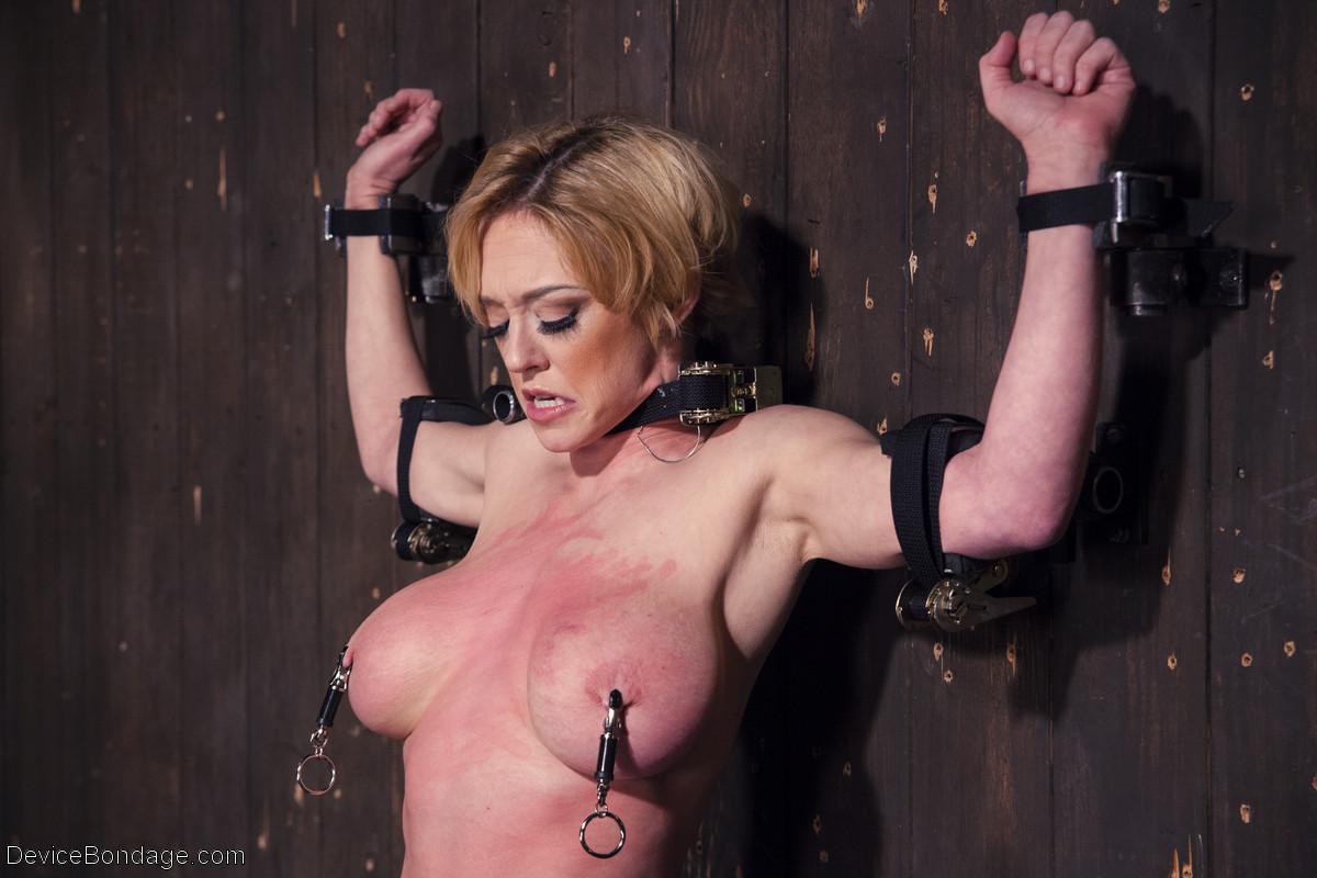 sex-gallarey-hot-pornstar-gets-bondaged-tits-pov-porn