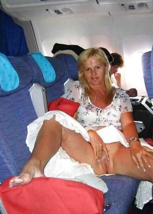 Раскованные стюардессы