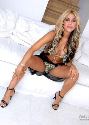Carmel Moore, Nasrin Carmel Moore - Галерея 2086277