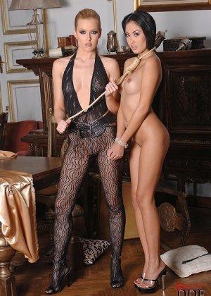 Даника и Софи Мун используют веревки в своих лесбийских утехах
