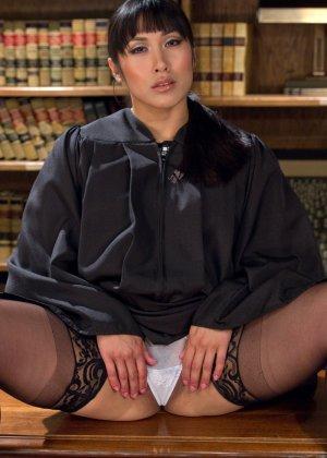 Mia Li, Karlo Karrera - Галерея 3459111