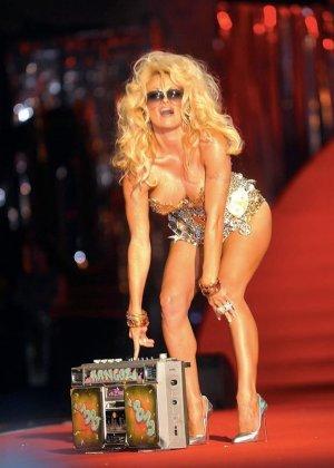 Pamela Anderson - Галерея 2419404