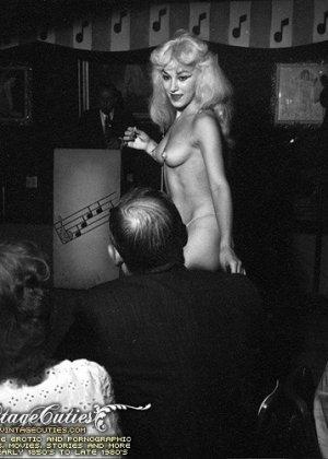 Ретро порно фото одиноких голых дам