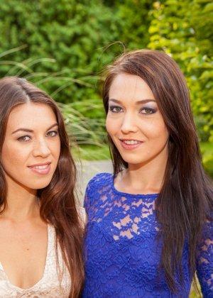 Красивые модели лесбиянки Тиффани и Анджелика