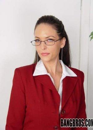 Кончил на очки приличной женщине