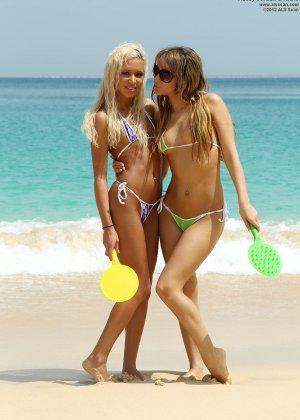 Девушки возбудились на пляже