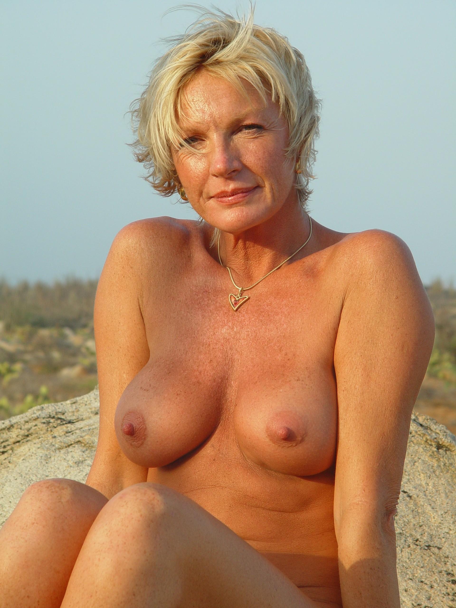Mature women spanked pics