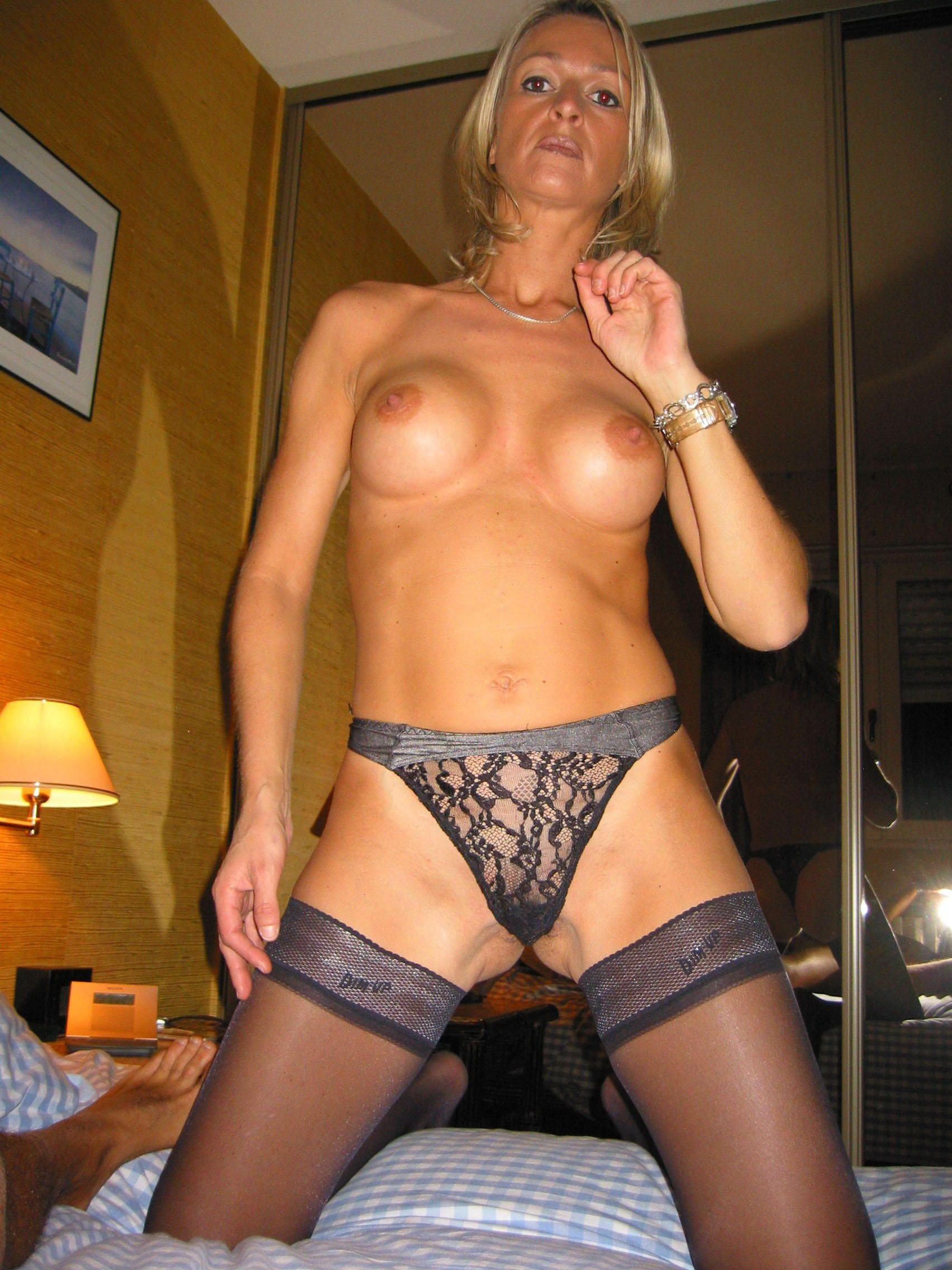 Free Housewife, Lingerie Pictures