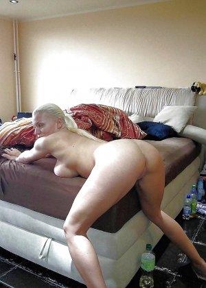 Мидфа встала раком, она готова к анальному сексу