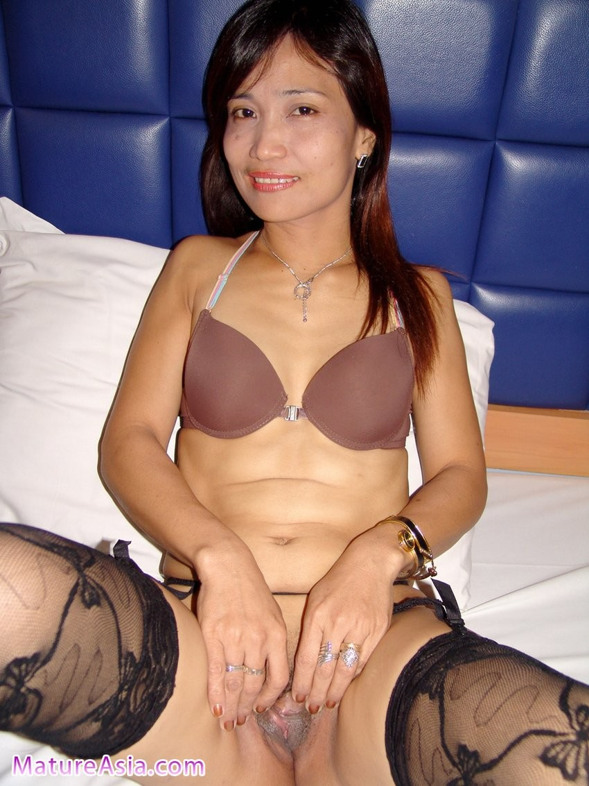 Voluptuous Asian Milf Loves Fucking In Rough Manners
