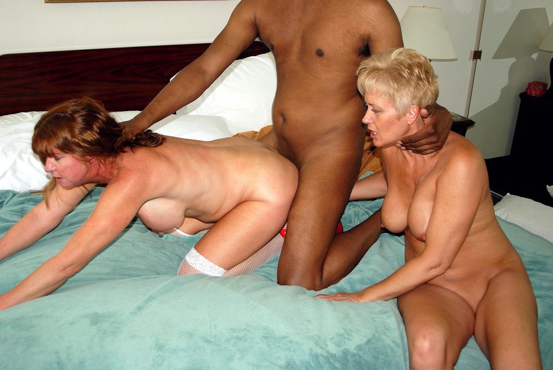 Mature women sex threesome labia