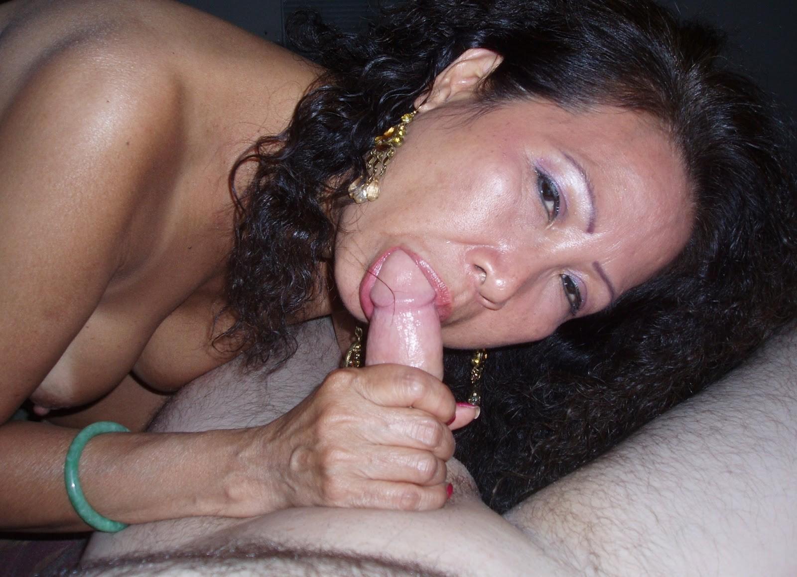 Порно казашка с мужем сосут