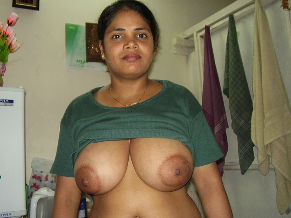 Hot chennai girl webcam sex chut aur boobs ke photos
