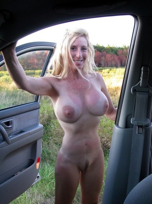 wife-naked-in-car-big-tit-pussy