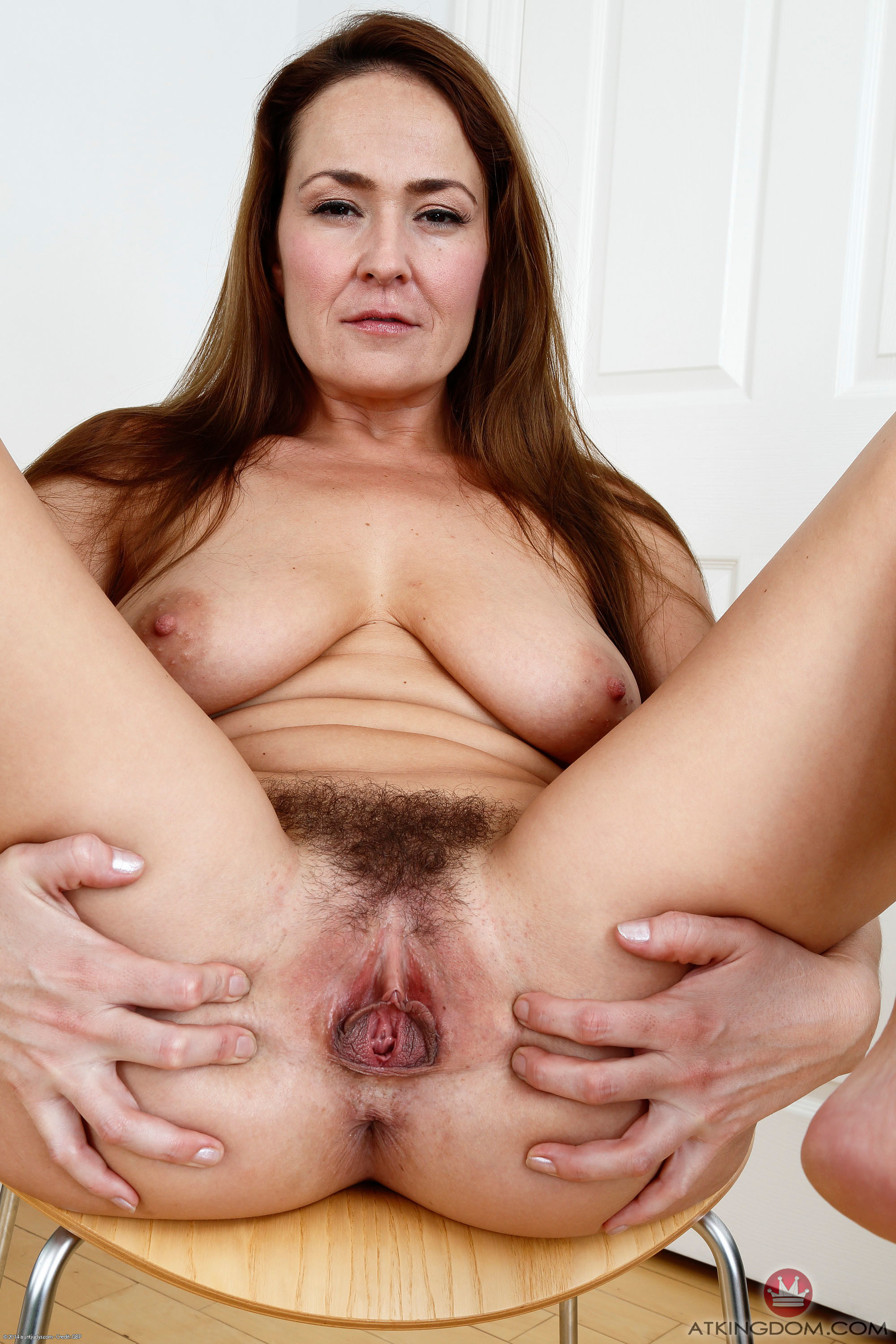 Stretched out milf pussy