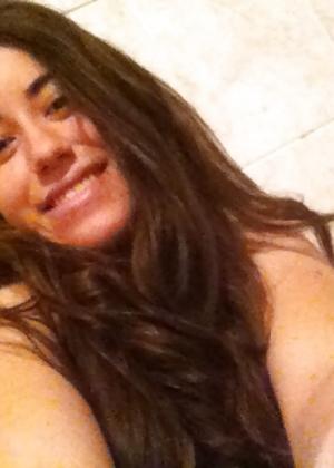 Пизда 19-летней девушки из Аргентины крупным планом