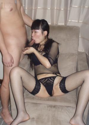 Китаянка ебется с мужем и его приятелем европейцем