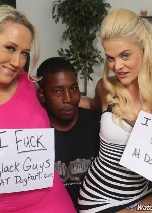 Здоровенный нигерский член доводит до оргазма соблазнительную потаскушку