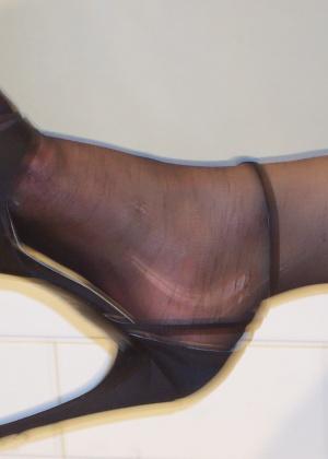 Мои ножки в колготках и сперме