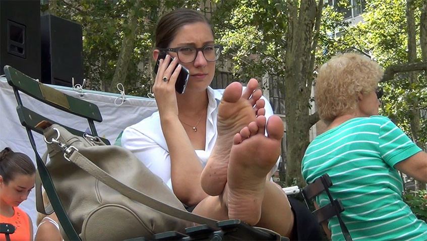 Horny candid mature whit footjob toes and faceshot