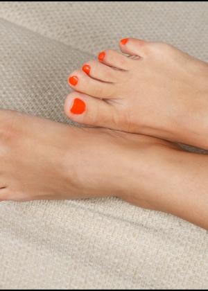 Ступни ног зрелых дам