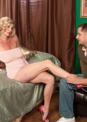 Хардкор с очаровательной блондинкой Кэсси Тори