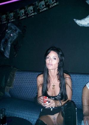 Зрелая французская любительница всякого разнообразия в сексе