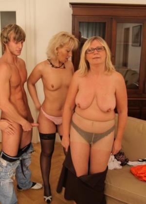 Три женщины и один парень