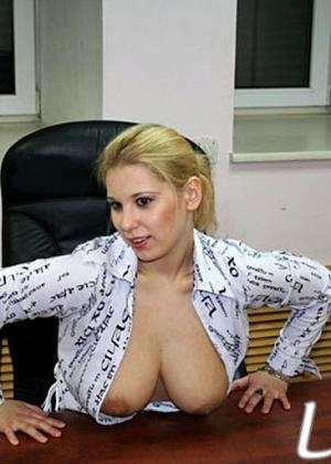 Секретарша Люба