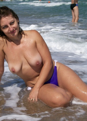 Голые на пляже - подборка 027