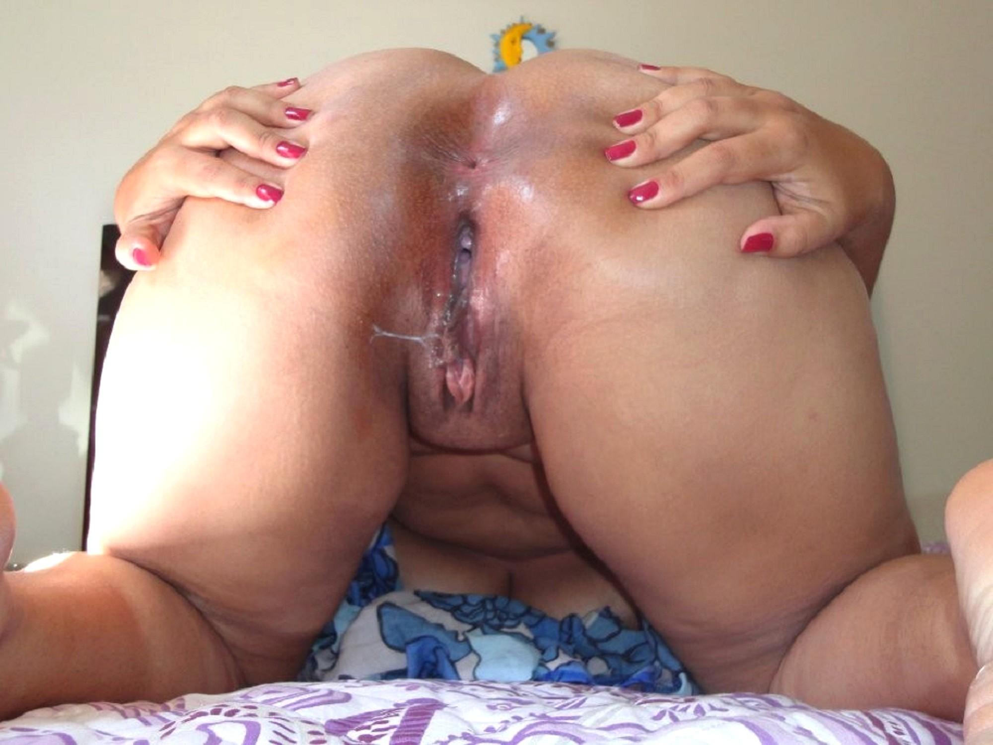 Fat white girl wet pussy