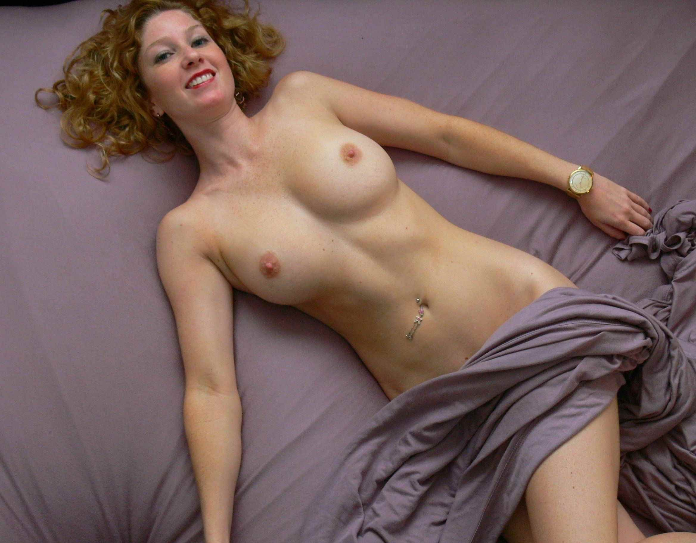 Red haired milf slaves in love