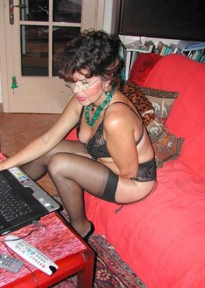 Голые женщины за компьютером - подборка 000