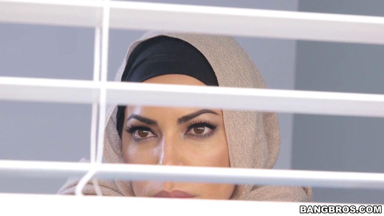Julianna Vega, Mia Khalifa - Арабки - Галерея № 3437780